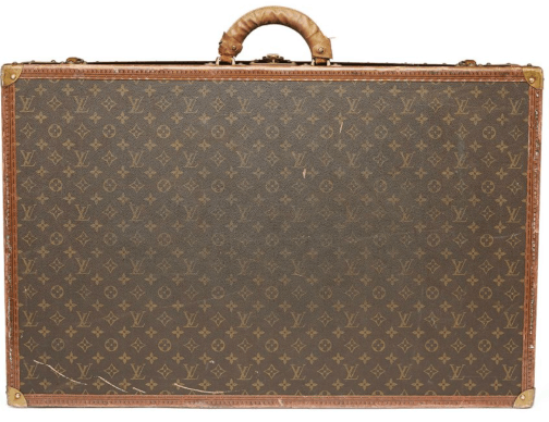 Paris Station Louis vuitton trunk