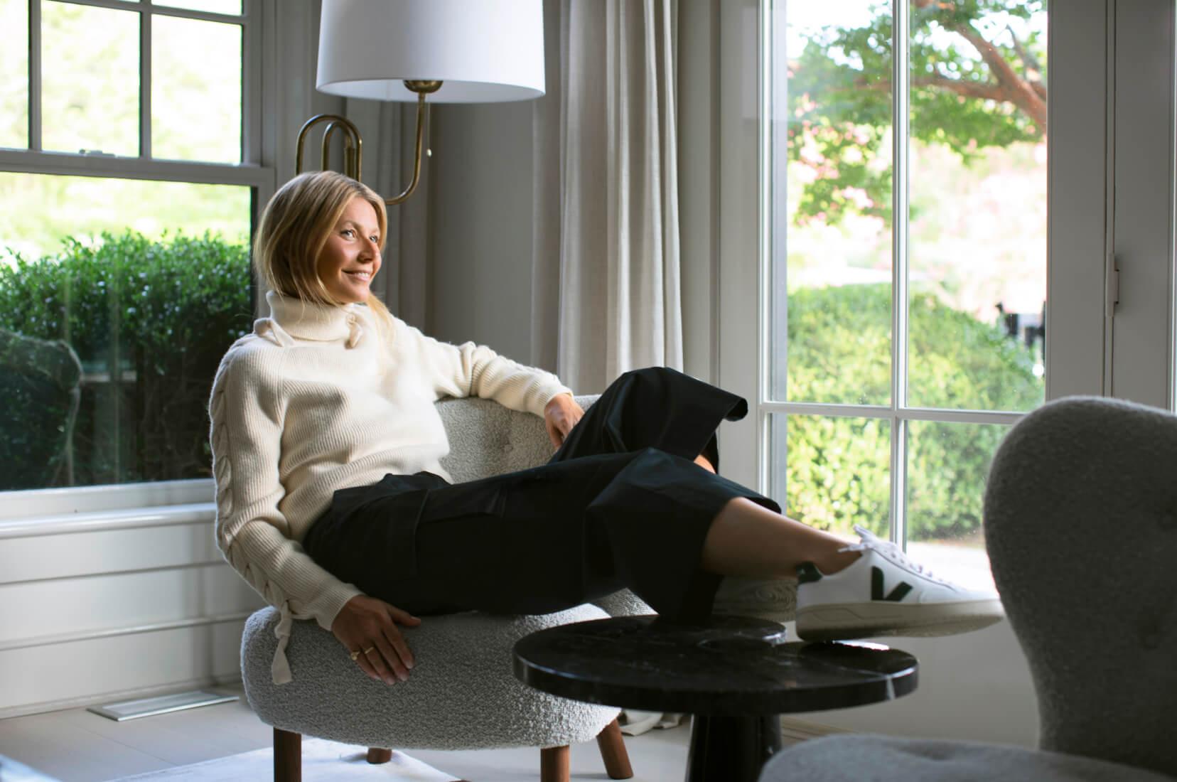 Gwyneth Paltrow posing