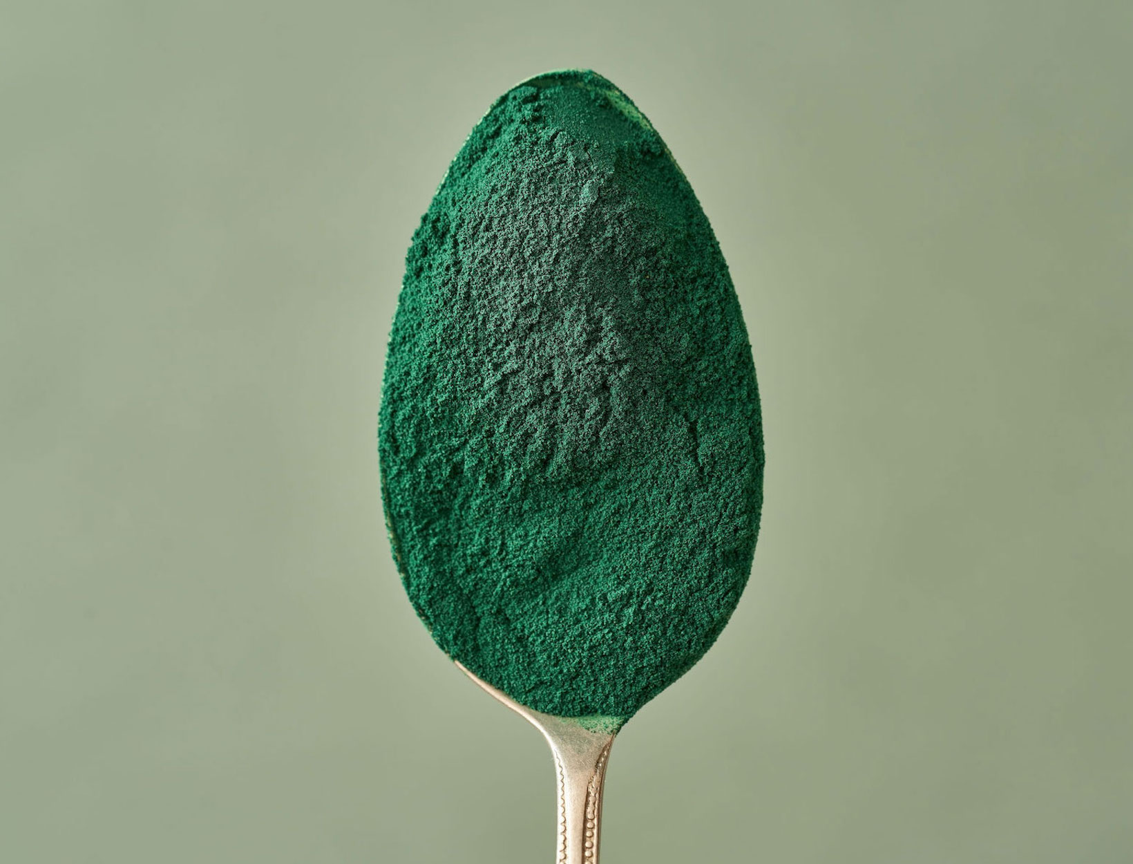 Ask Gerda: What's the Deal with Spirulina, Chlorella, and Chlorophyll? | Goop