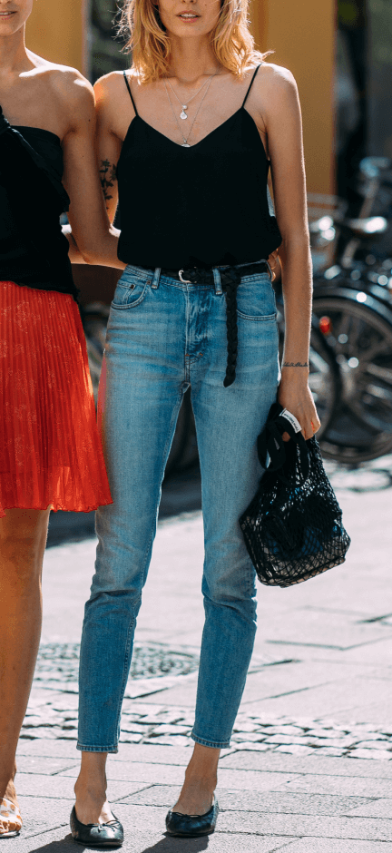 Woman wearing RE/DONE jeans