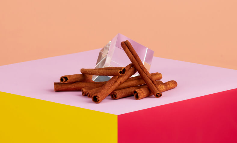 cinnamon connected  a table