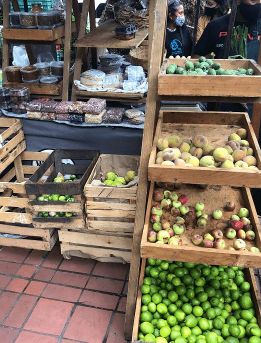 Mercado El 100 farmers market